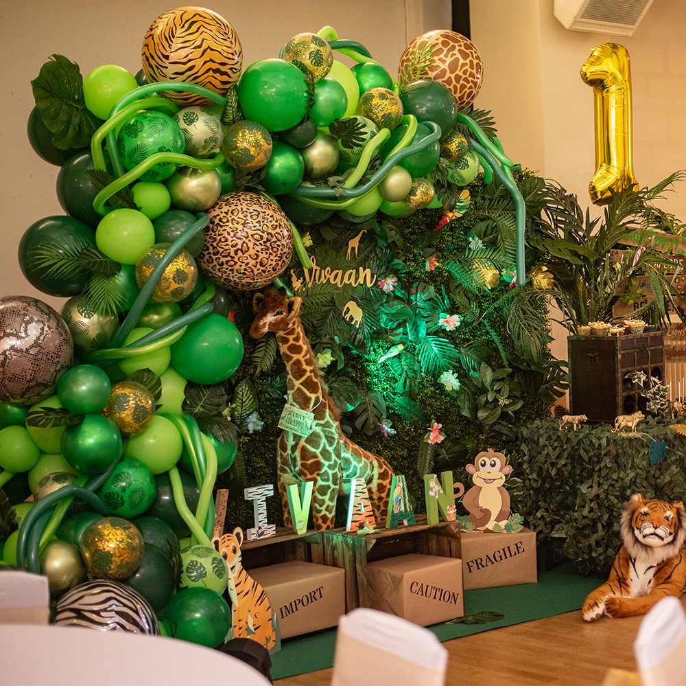 Jungle party table and display