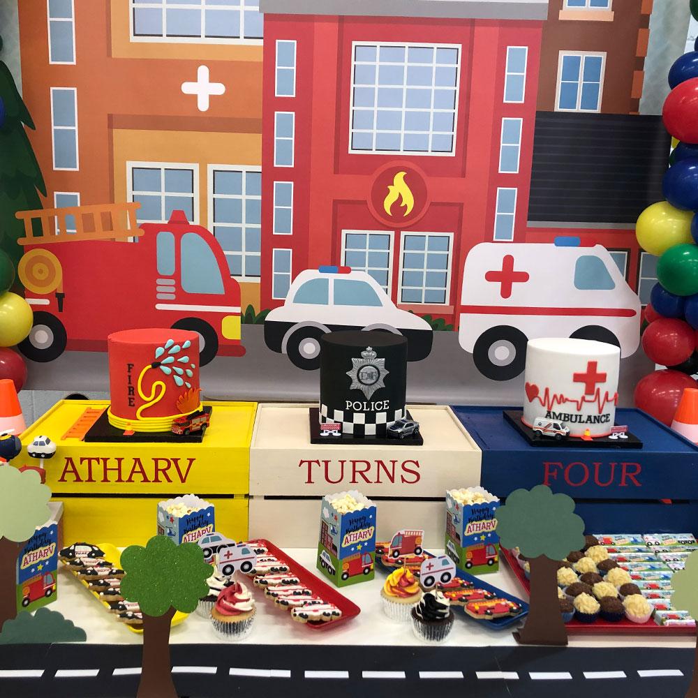 Transport party birthday cakes